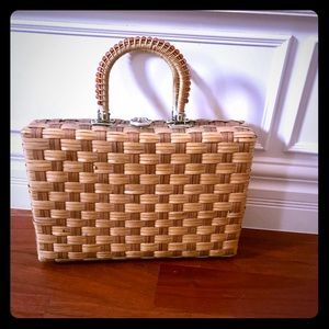 Handbags - 🌻♥️Vintage Straw handbag 1960! Darling!